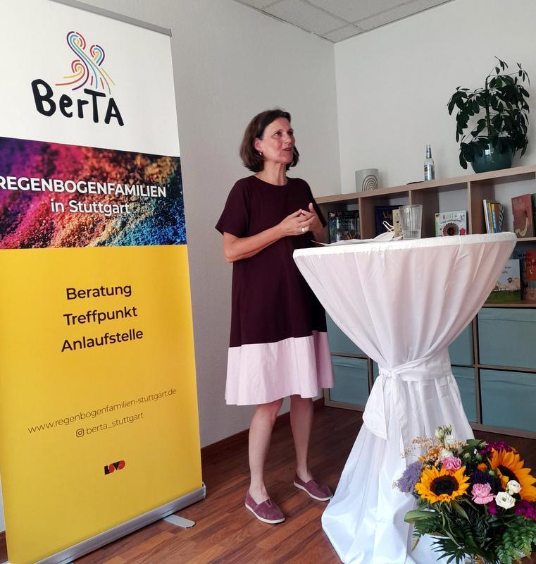 Unsere Schirmfrau Brigitte Lösch. Foto: Rebecca Rottler
